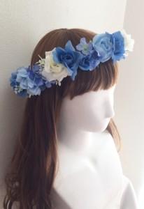 青い花かんむり右
