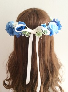 青い花かんむり後ろ2