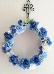 青い花かんむりリース