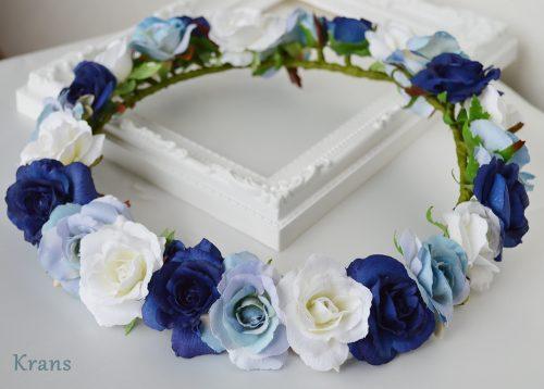 グラデーションが美しい青いバラの花冠