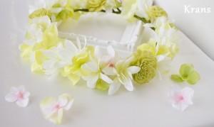 海外ウェディングにおすすめの花冠アップ