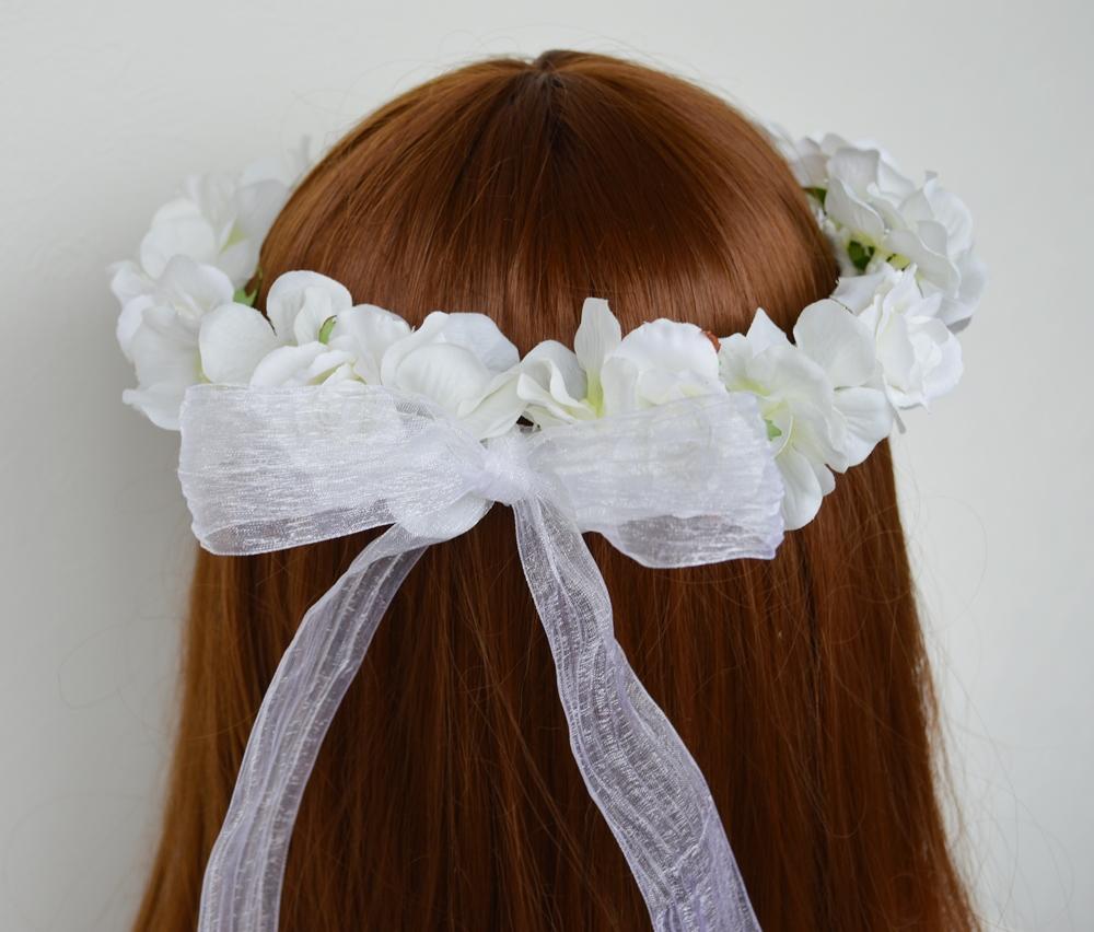 ふんわりかわいい白い花冠リボン2