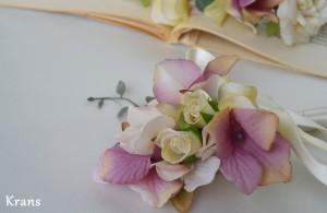 ナチュラルアンティークカラーのウェディング花冠 ブートニア