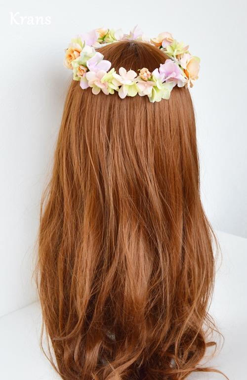 ふわふらパステルのドレスにぴったりの花冠 バック