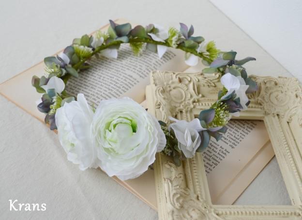 ホワイトとグリーンのワンポイント結婚式花冠