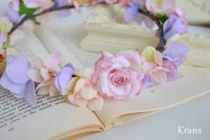シュガーピンクローズのブライダル花かんむり アップ