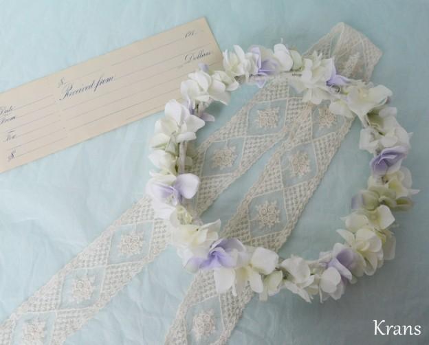 クランスホワイトのスウィートフェミニン花冠、結婚式花冠、ウェディング花冠、