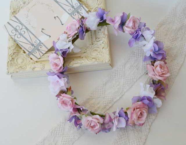 ペールピンクの大人可愛い花冠