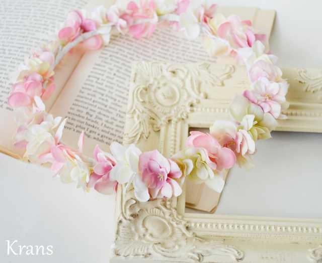 ふんわりピンクの可愛いシルエット花冠プレ花嫁