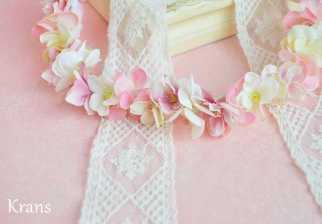 ふんわりピンクの可愛いシルエット花冠 アップ