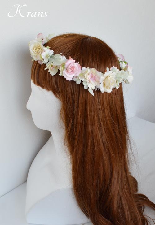 ナチュラル花冠ヘアスタイル