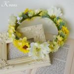 ホワイトガーベラとひまわりの花冠