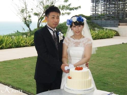 花冠ブルーローズ結婚式ブーケ2
