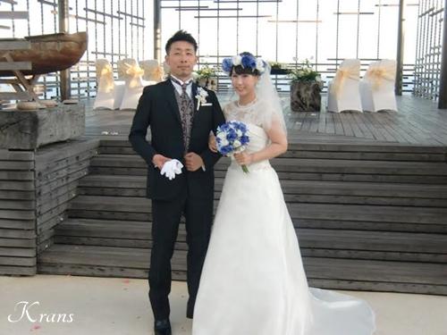 花冠ブルーローズ結婚式ブーケ5