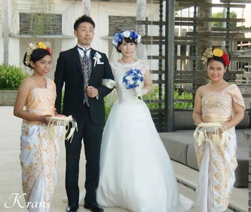 花冠ブルーローズ結婚式ブーケ3
