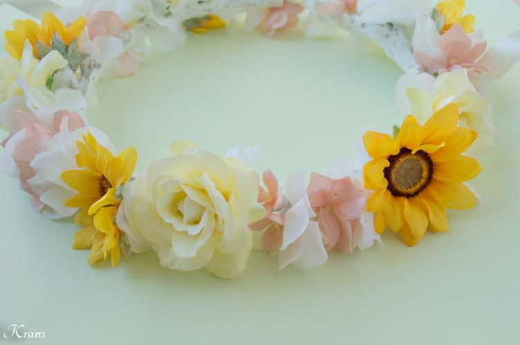 1歳の誕生日プレゼント撮影用ひまわりの花かんむり2