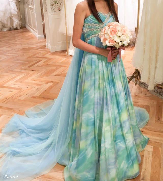 花冠に似合う青いドレス
