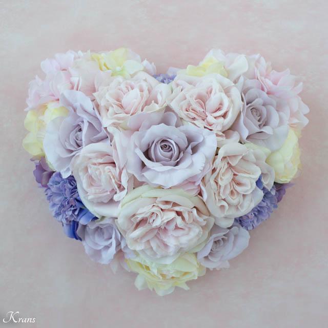 シャーベットカラーのお花で作る立体ハートドーム型のウェルカムボード1