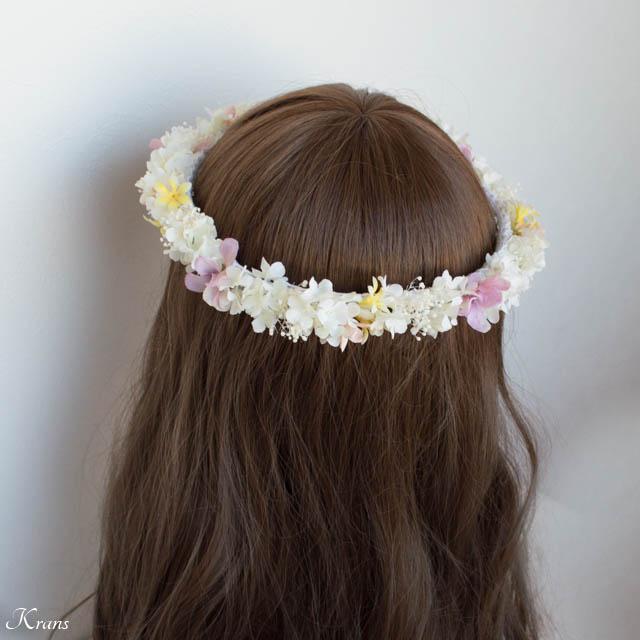 プリザーブドフラワーのかすみ草を使ったシャマローイエロードレスに合わせた白い花冠3