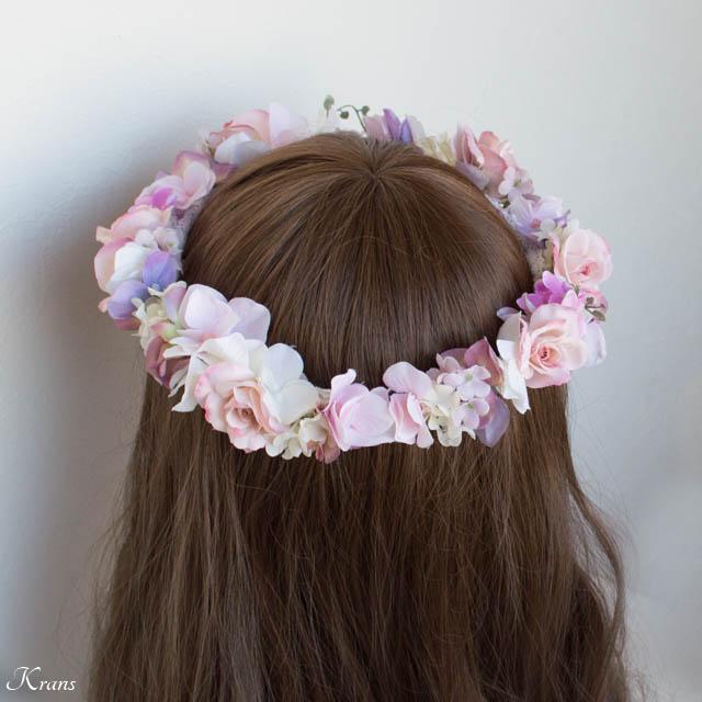 ピンクの花冠を身に着けた花嫁2