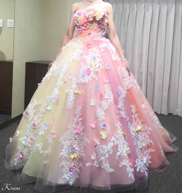 ピンクイエローグラデーションドレスに合わせた花冠4