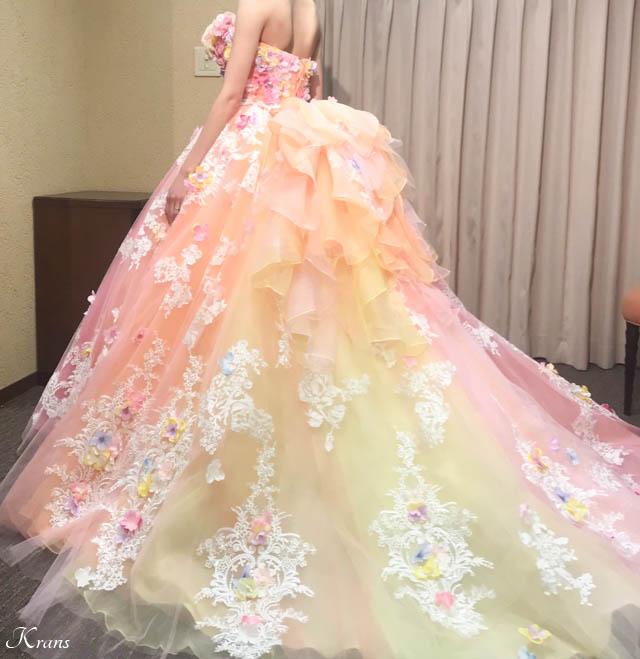 ピンクイエローグラデーションドレスに合わせた花冠5