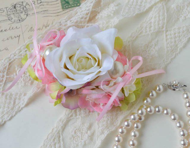 3.ホワイト&ピンクのリングドッグ用リングピロー(ローサ)