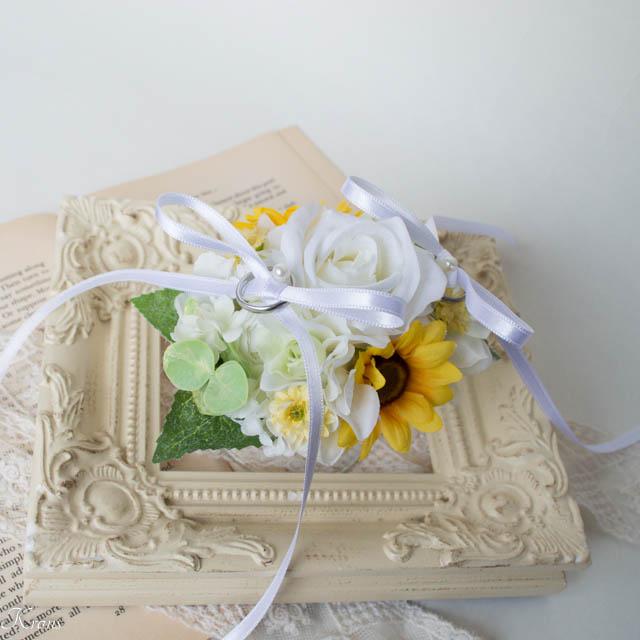 リングドッグ用のリングピロー白バラひまわり2