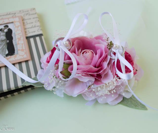 濃いピンクのリングドッグ用ピロー4
