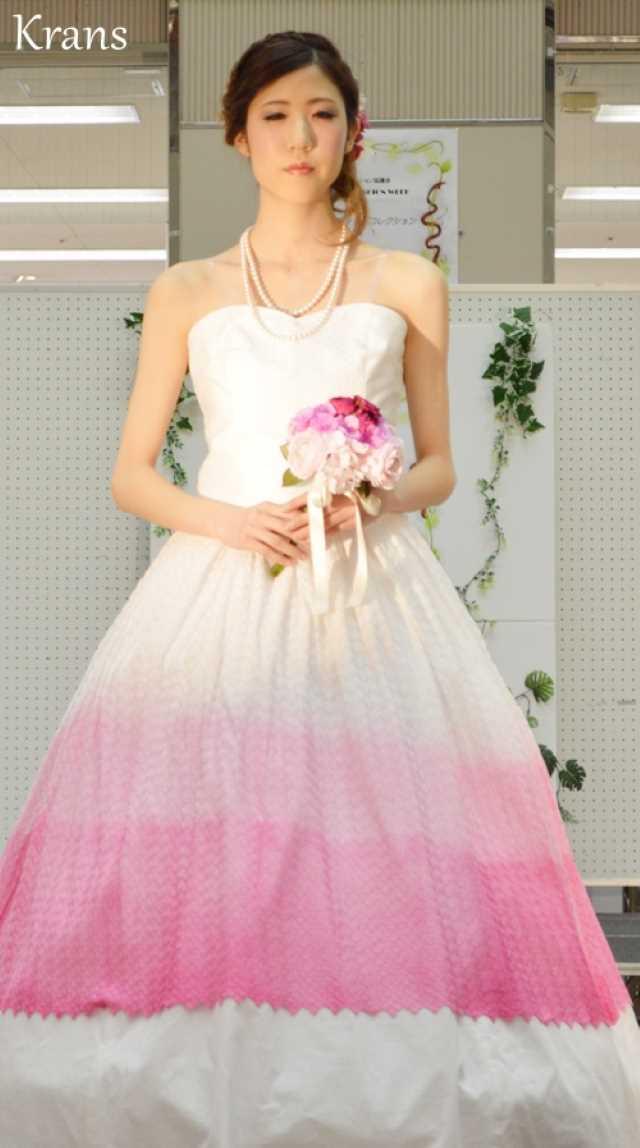 ピンクグラデーションドレス