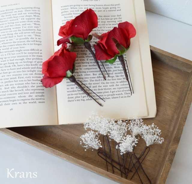 赤いバラとかすみ草のヘッドドレス