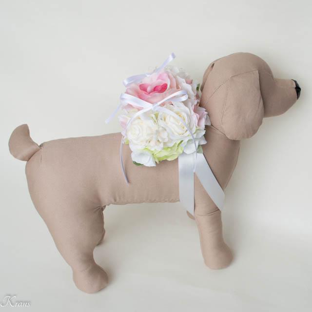 犬と結婚式リングピロー