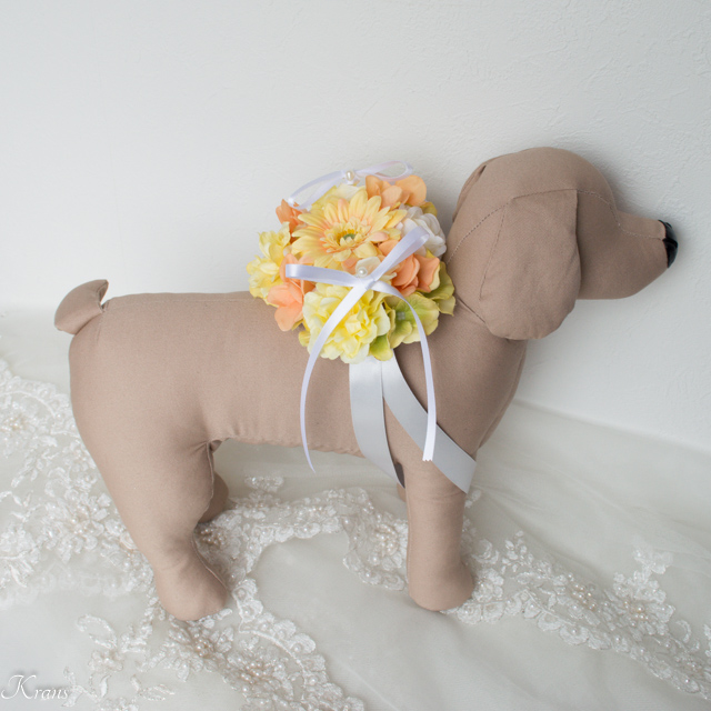 犬と一緒の結婚式リングピロー